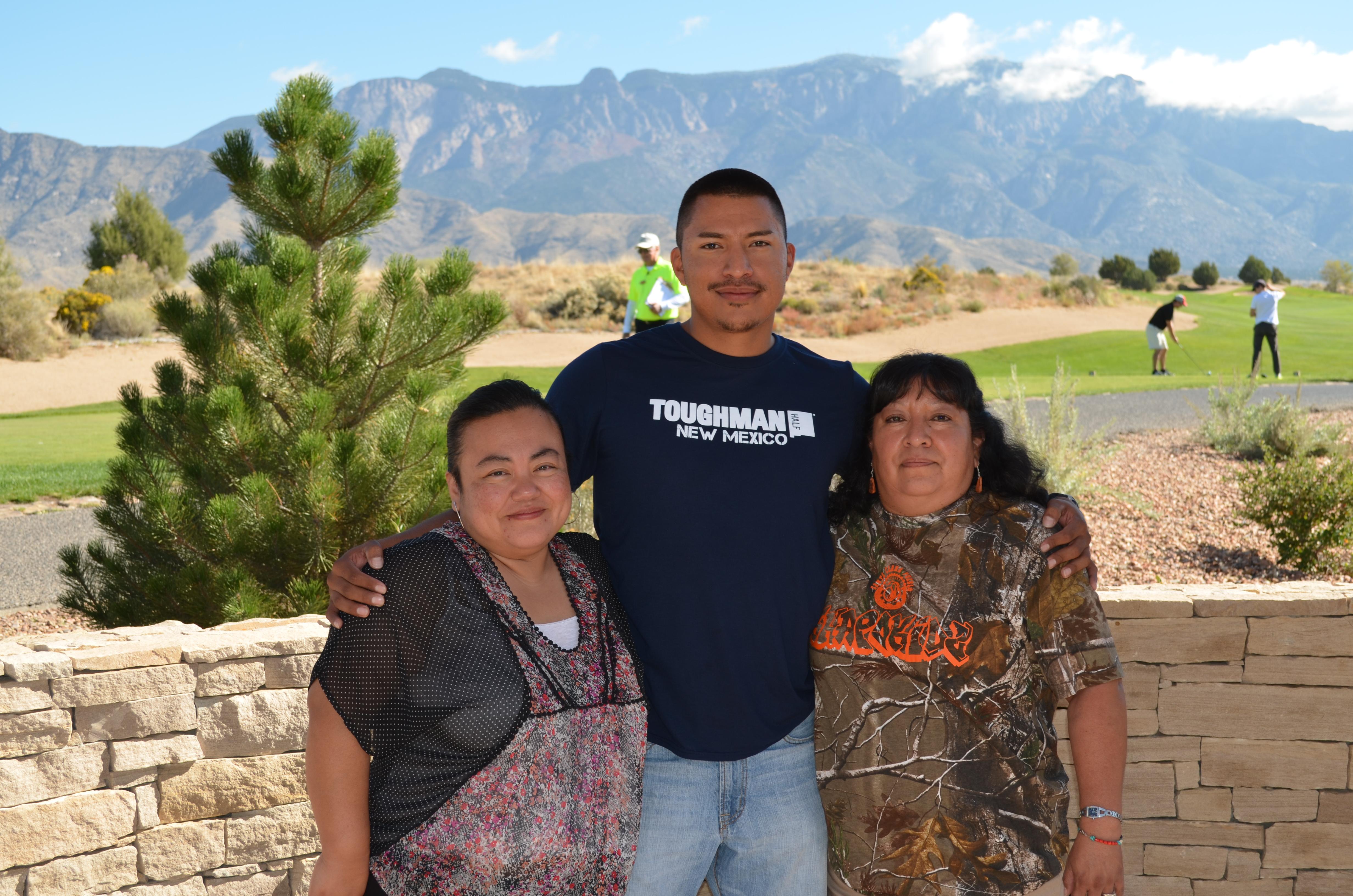 Foto de grupo de tres.