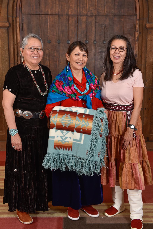 Dr. Vangee Nez y familia