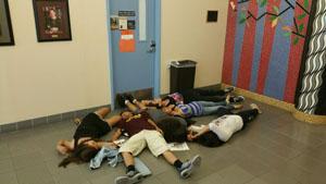 Studenti SPA che partecipano ad attività di gruppo.