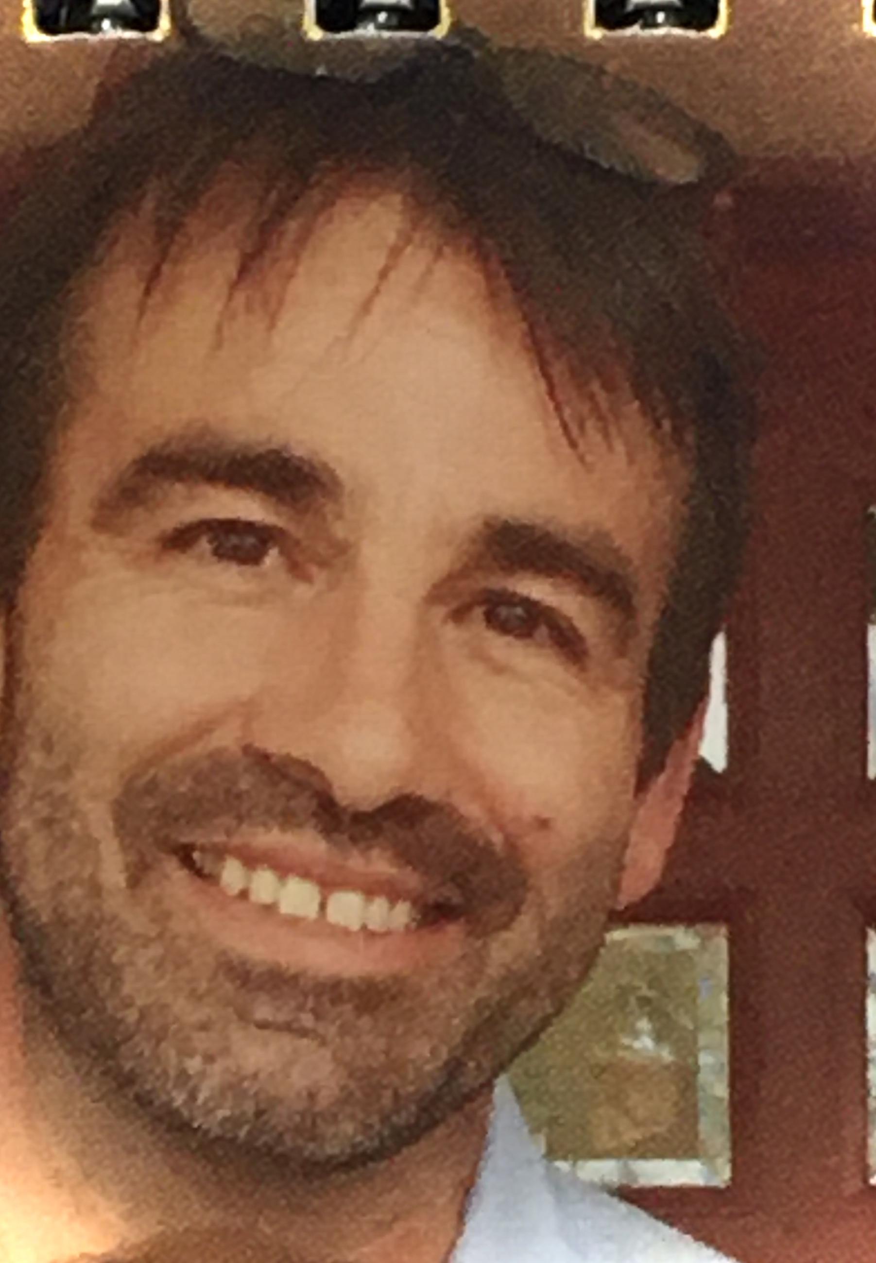 Headshot Clark Hardgrave