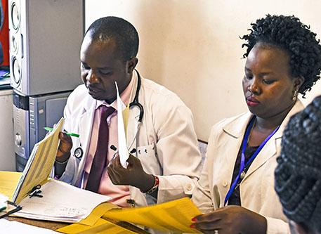 طبيبان من كينيا