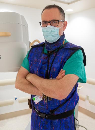 Anestesiólogo de tiro en la cabeza
