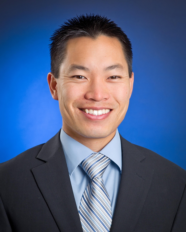 Eric Lew, medico
