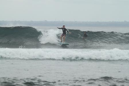 Loring surfing