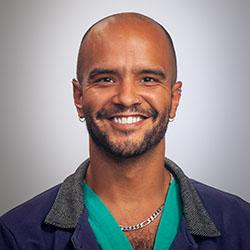 Darryl (DJ) Kemp, hijo, MD