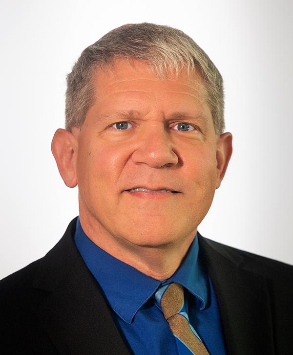 Edward Fancovic, MD, Reitor Associado