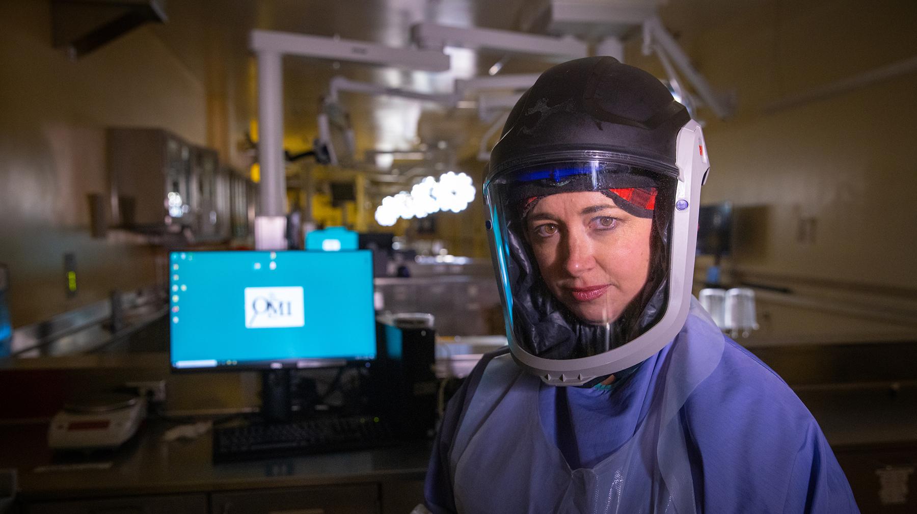 Heather Jarrell, MD en PPE completo