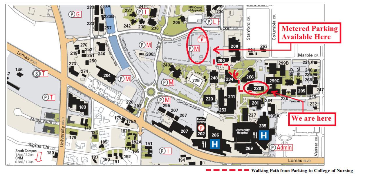 Mapa de estacionamiento para visitantes disponible en el campus.